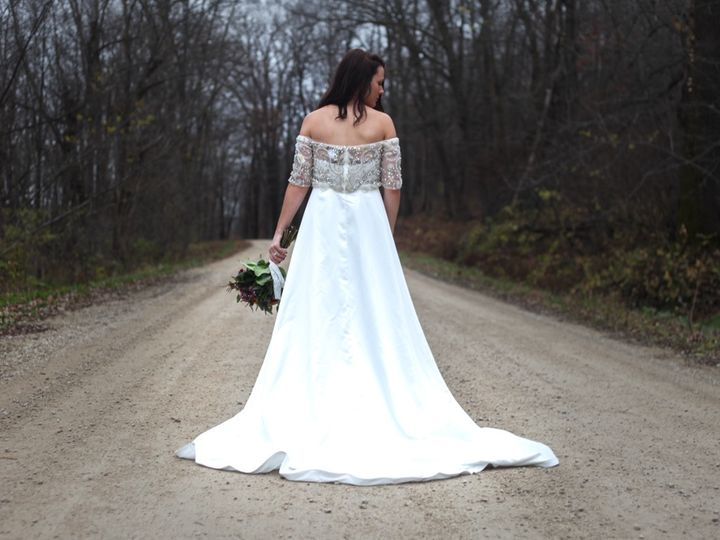 Tmx Weddingphotoshootfall2016 00024 51 1886931 158721849338509 New Richmond, WI wedding photography