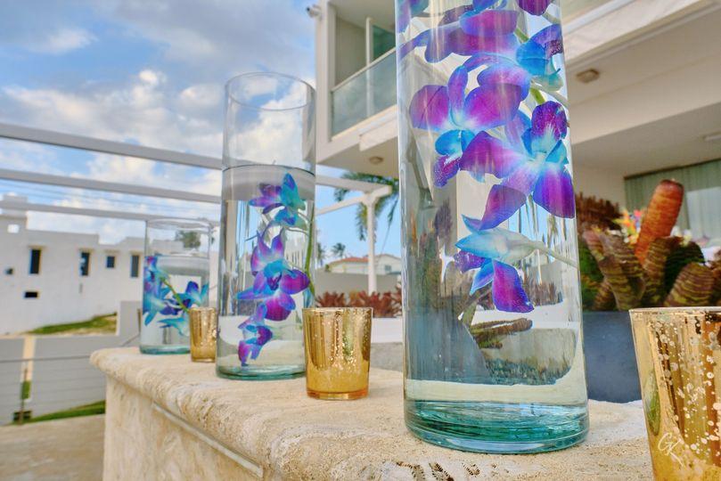 Reception decor blue orchids