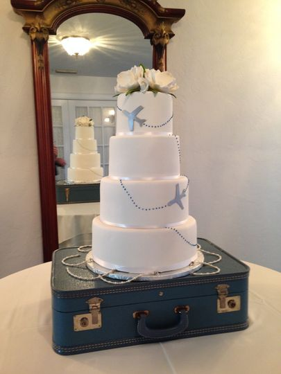 airline travel wedding cake 51 57931