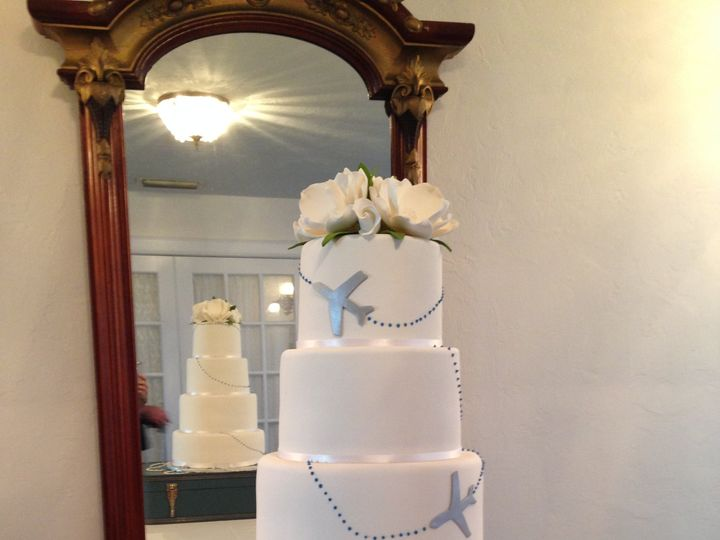 Tmx Airline Travel Wedding Cake 51 57931 Gainesville, Florida wedding cake