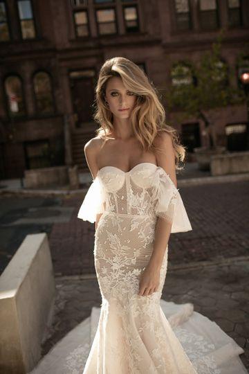 Berta bridal 17-102