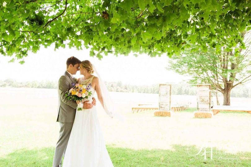 cf6ee77aae30cb16 1536357053 c940bdaa501cb00d 1536357048100 8 michigan wedding p