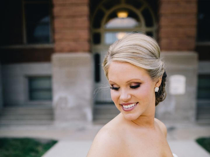 Tmx 3c5a5213 51 1862041 1568055271 Cedar Falls, IA wedding beauty