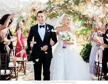 ANNA CAMP & SKYLAR ASTIN hired The Blue Breeze Band to perform at their Wedding Reception