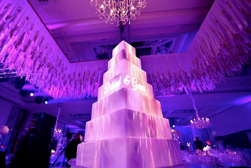 wedding cake projection 51 1020141