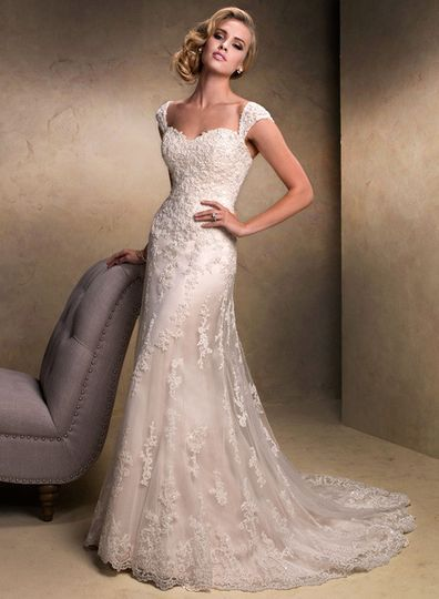 Beautiful vintage style wedding dress