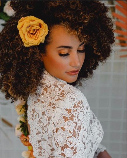 Defined natural curls