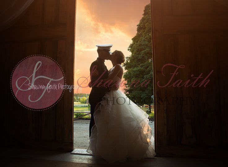 Romantic kiss-kingsheart farm