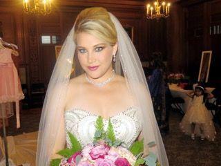 Tmx 1539298866 7a2d97d9b0f63992 00FB0349 CE04 481B AFEE 24C4D3E10353 White Plains, New York wedding beauty