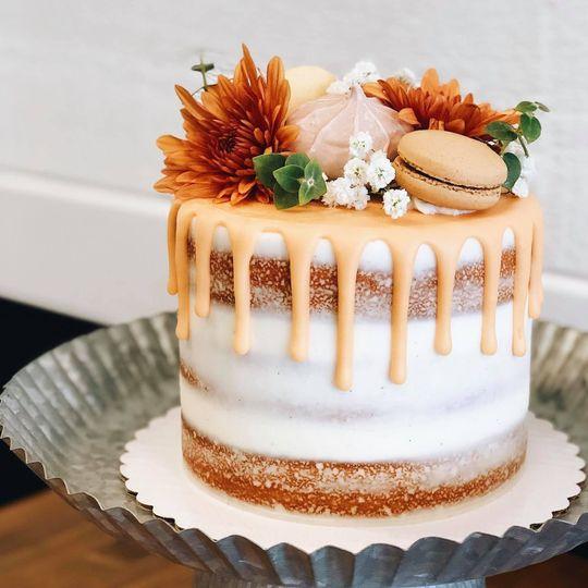 "6"" Vanilla Naked Cake"