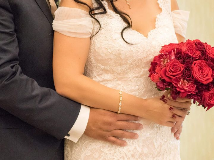 Tmx Bride And Groom With Red Flowers 51 997241 Whittier, CA wedding venue