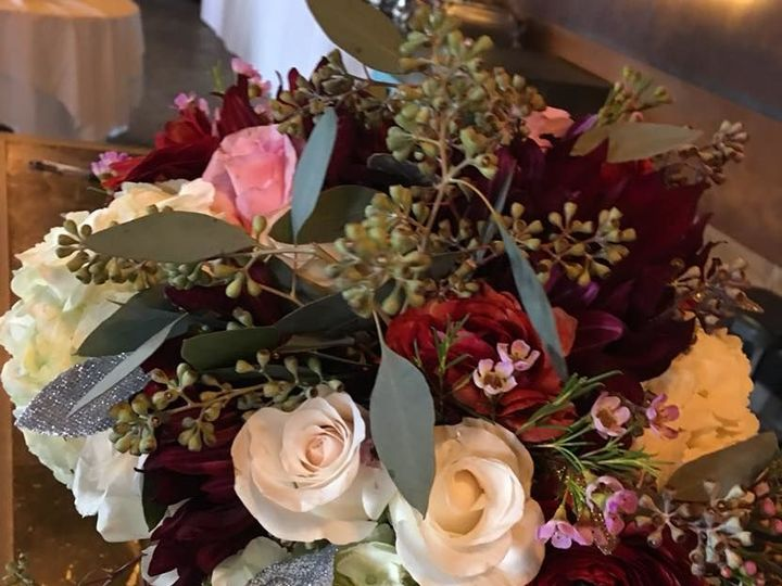 Tmx 1521939477 3f61e4903b99d4f4 1521939475 3292750ca52707f1 1521939475081 8 29314121 185737933 Vernon, NY wedding florist