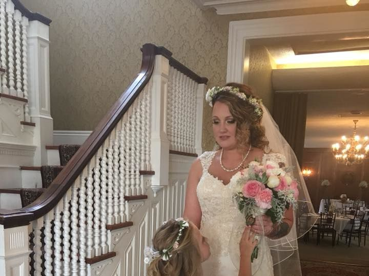 Tmx 1528814743 0a9f10f16642551b 1528814741 A03e4adac5a47168 1528814741997 2 34837440 194847017 Vernon, NY wedding florist