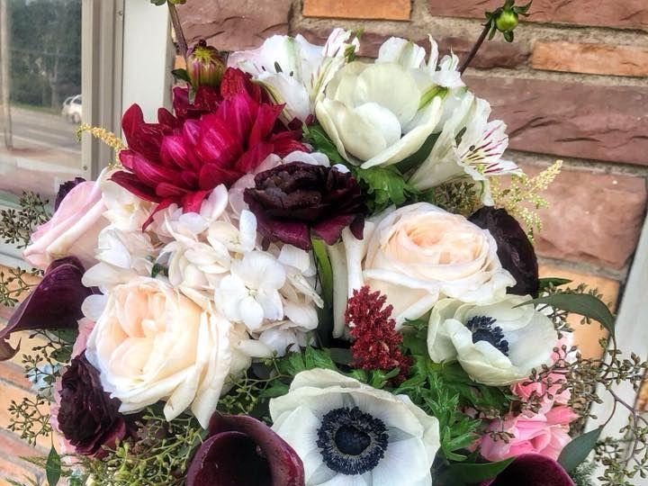 Tmx 1535067518 386541b683b13eeb 1535067518 B3968da592b8fdd2 1535067518148 1 39252969 206106036 Vernon, NY wedding florist