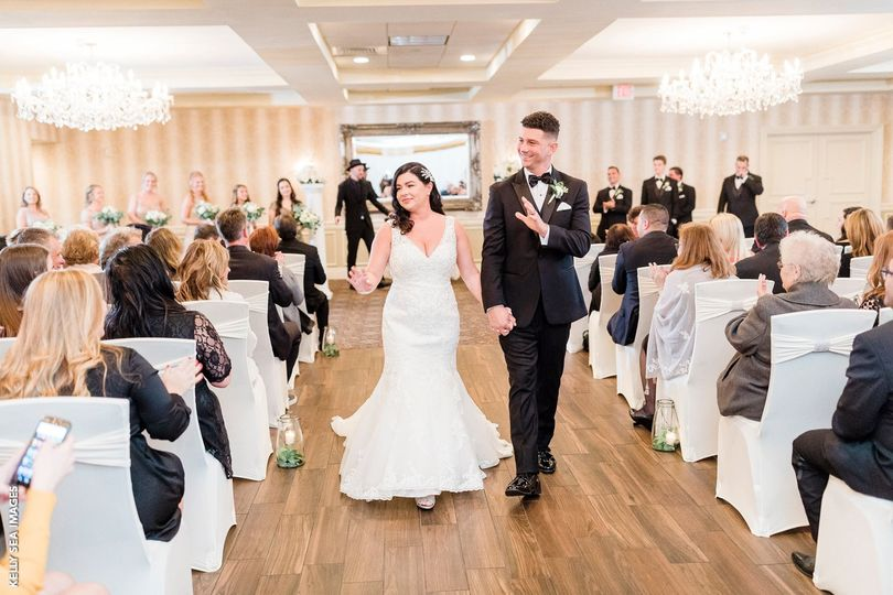 Beautiful indoor ceremony