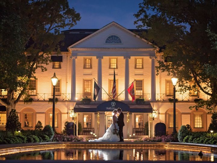 Tmx Couple In Front Of Inn With Reflecting Pool 51 11341 161297597538127 Williamsburg, VA wedding venue