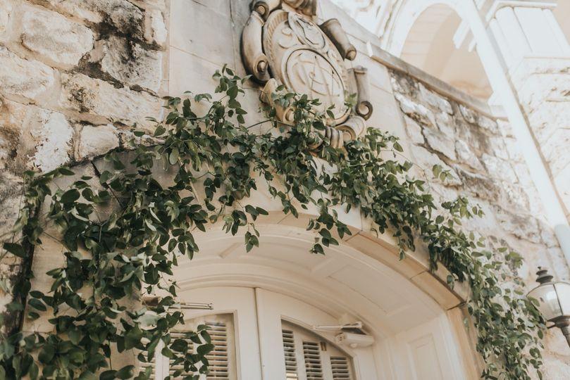 Lush, green entryway decor