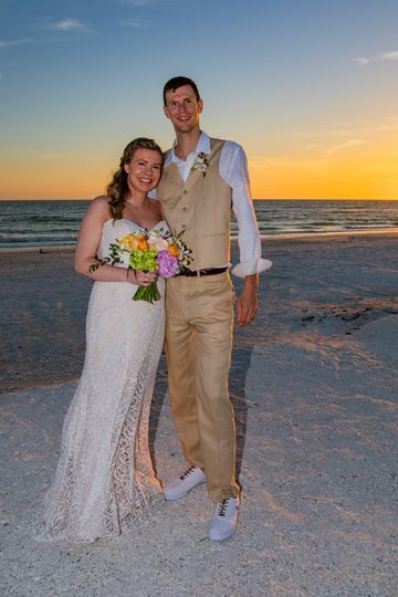 Claire and Thomas' beautiful beach wedding