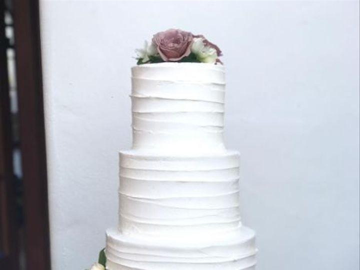 Tmx 1517887186 60c0d51a195ffa17 1517887185 7eeaf03117c0544a 1517887178426 3 2017 11 05 1007 Santa Barbara wedding cake