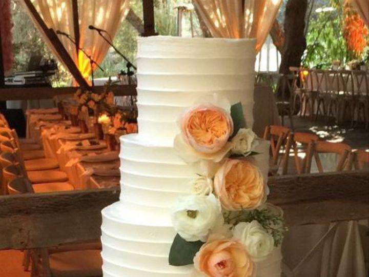 Tmx 1517887187 C1584d6f4f2b31c0 1517887186 0b512b75e1418d22 1517887178427 4 2017 11 05 1008 Santa Barbara wedding cake