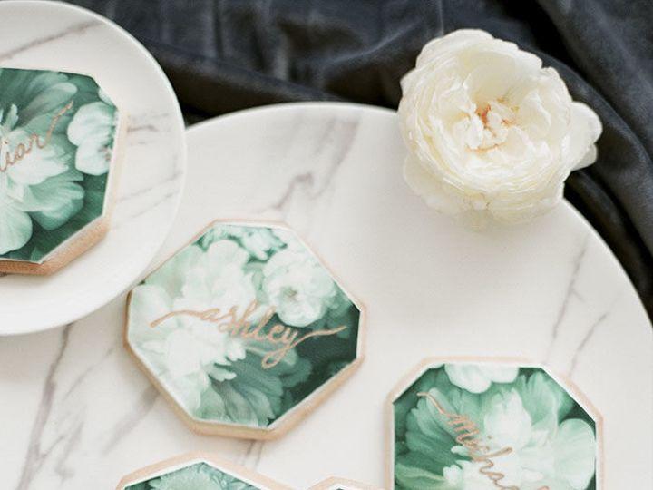 Tmx 1517887370 352767eadc4ecb37 1517887368 13e595f9ebe7e975 1517887362767 24 Moody Gray Floral Santa Barbara wedding cake