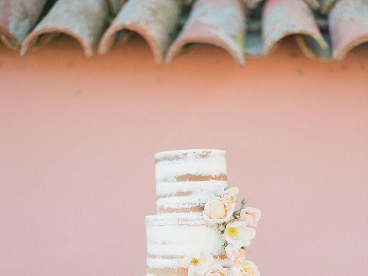 Tmx 1517887371 1e2169e98de3e5fc 1517887369 B5b9a116d33cd92c 1517887362769 27 Semi Naked Weddin Santa Barbara wedding cake