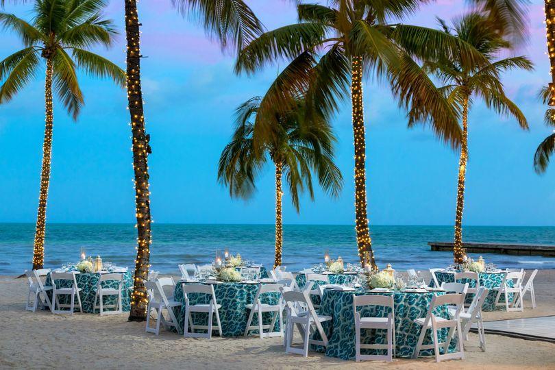 800x800 1437594890761 Sm Banquet Public Beach Dusk