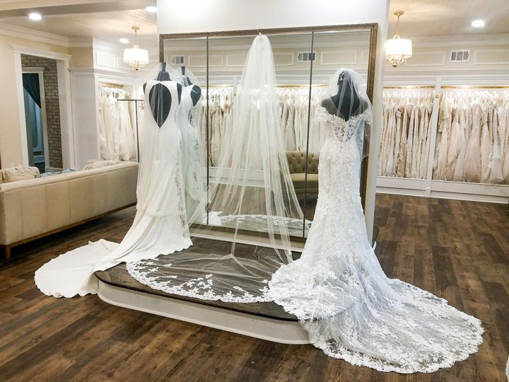 Many different veils as well!