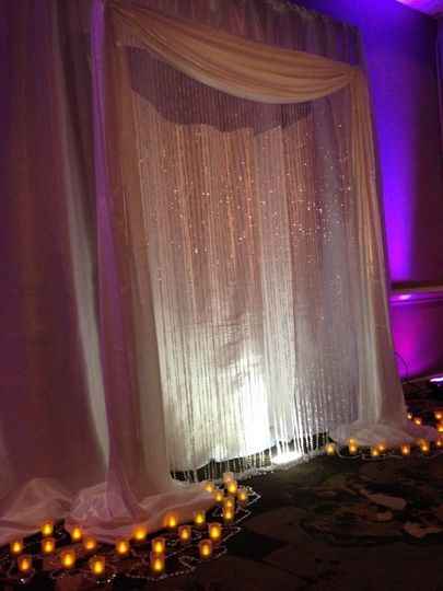 800x800 1404334691606 crystal curtain arch backdrop with floor votives