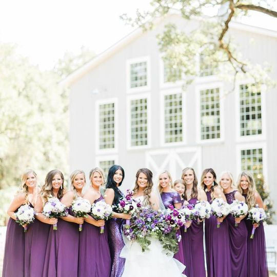 The Establishment Barn - bride with bridesmaids