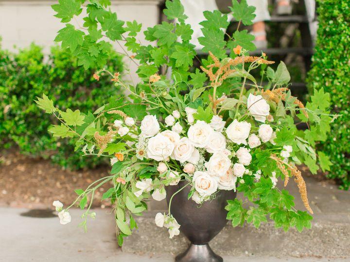 Tmx 1536346284 778f4a08eac57561 1536346282 1b8382f54358cbf0 1536346261919 16 Sorrento Socialme Seattle wedding florist