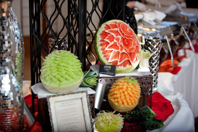 800x800 1418664832012 gripka reception fruit carvings