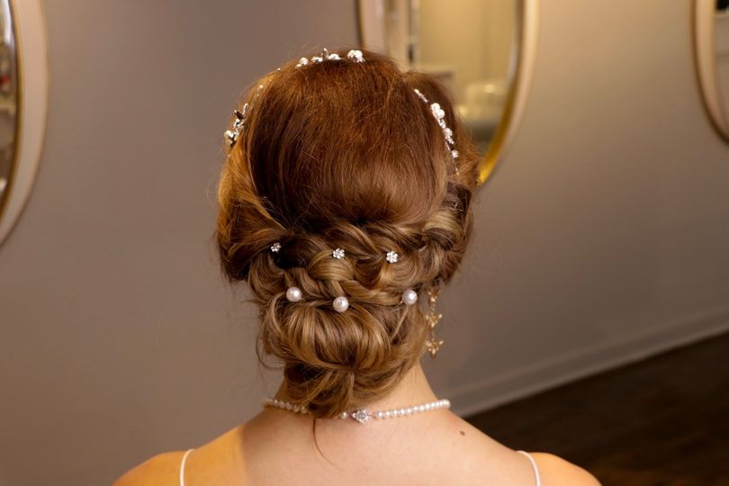 Pearls amidst the curls