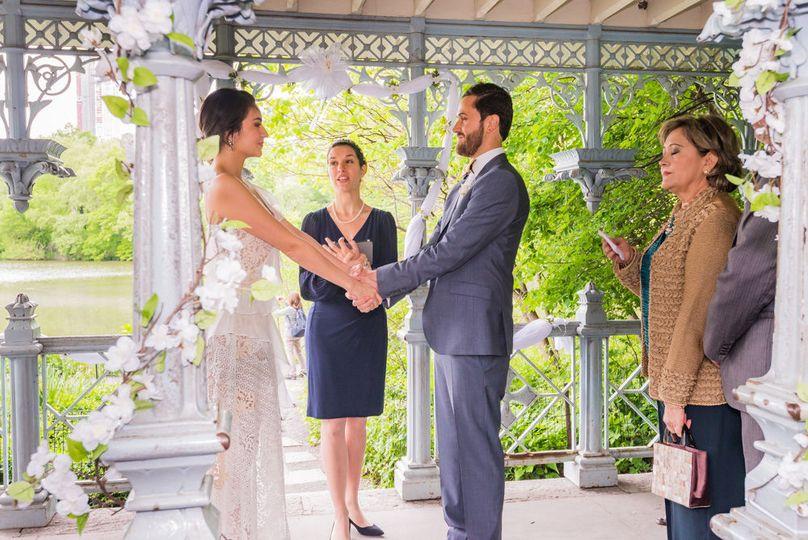 Bilingual Wedding Officiant Veronica Moya