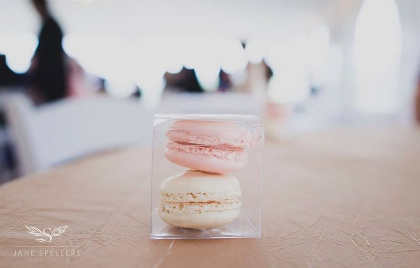 Seattle macarons favor at modern Wedding