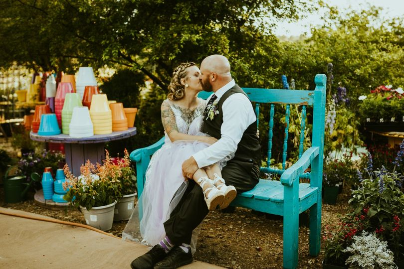 Rustic garden setting - Frankely Photography