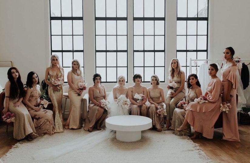 Bride with bridesmaids - Ardor Photography