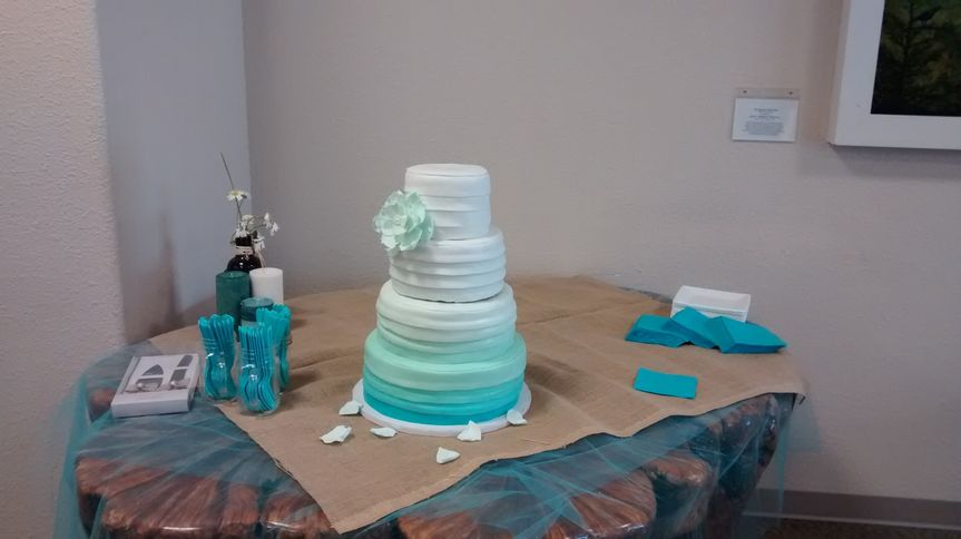 This Teal Ombre was made out of Fondant.