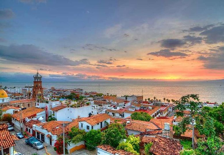 ROMANTIC PUERTO VALLARTA, MEXICO