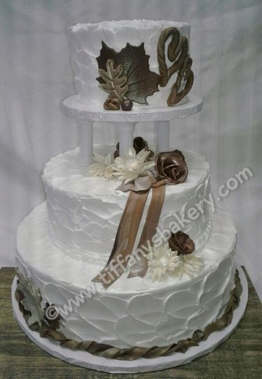 800x800 1438113560811 artistry for autumn premier wedding cake   copy