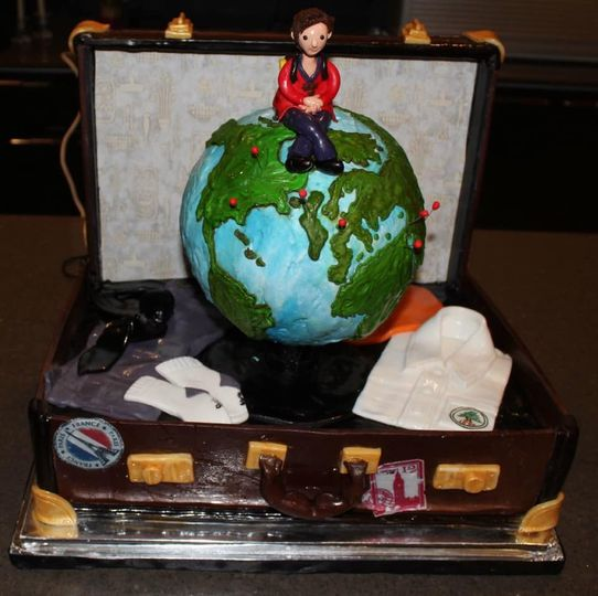 Travel bag cake