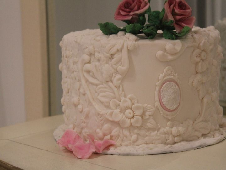 Tmx 11084037 414676708702141 6519920600825637600 O 51 1884641 1568861329 Windermere, FL wedding cake