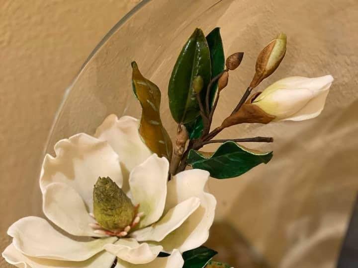 Tmx White Magnolia Sugar Flower 51 1884641 158463180548389 Windermere, FL wedding cake