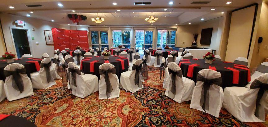 Banquet room linens