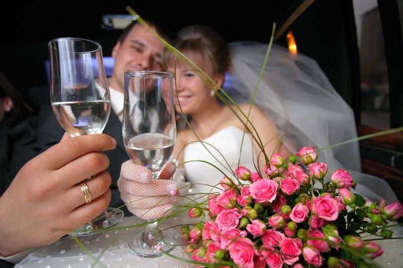 800x800 1526876499 3867556fea3251a8 1526876499 a40e5c5d02c3f67b 1526876494998 3 wedding reception