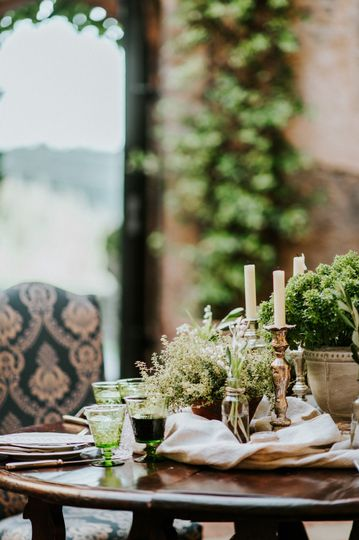 Styling with aromatic herbs
