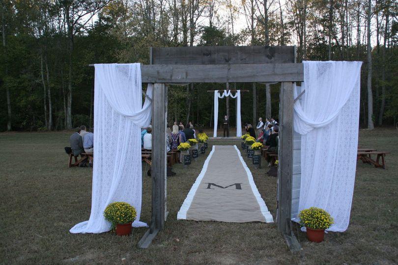 e1e2c9319770b3e4 1486247962511 morton wedding 064