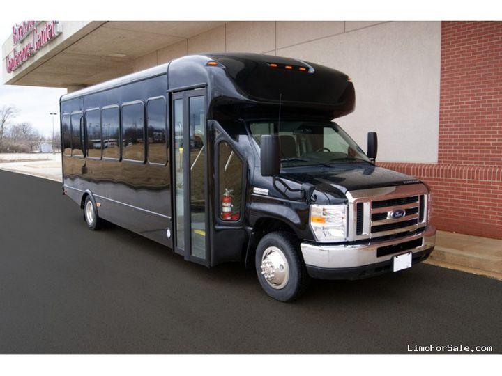 Tmx 1568734317928270610 Large 51 1968741 161512638547776 Horsham, PA wedding transportation
