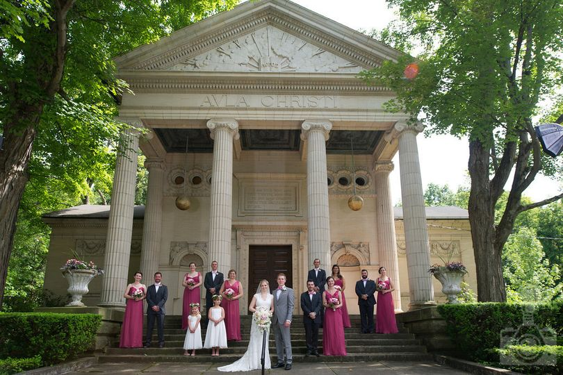 Couple with bridesmaids, groomsmen and flower girls