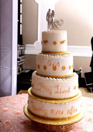 Tmx Reception Cake 51 1962841 158725791824355 Mooresville, NC wedding planner